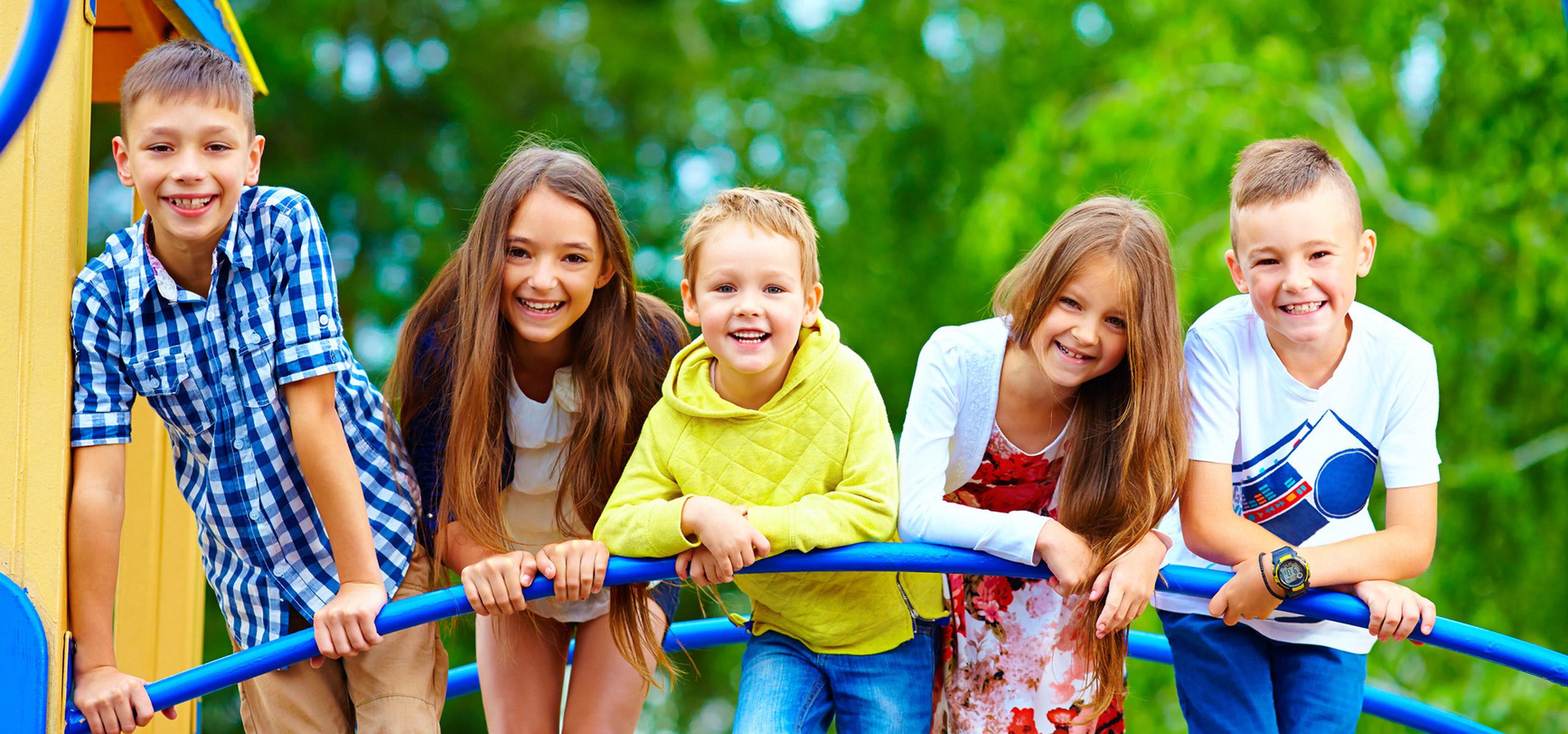 Außenspielgeräte für Kinder jeden Alters